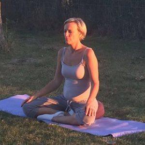 simone-yoga
